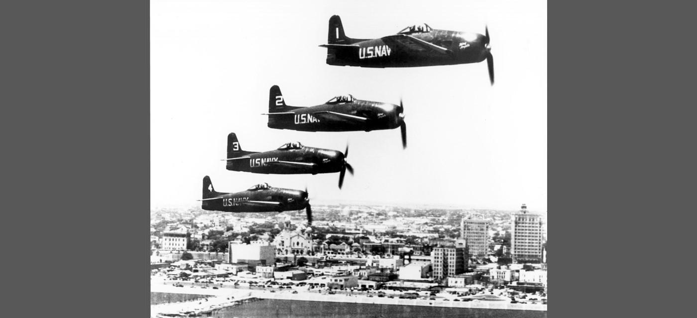 1946-1949: Hellcats and Bearcats