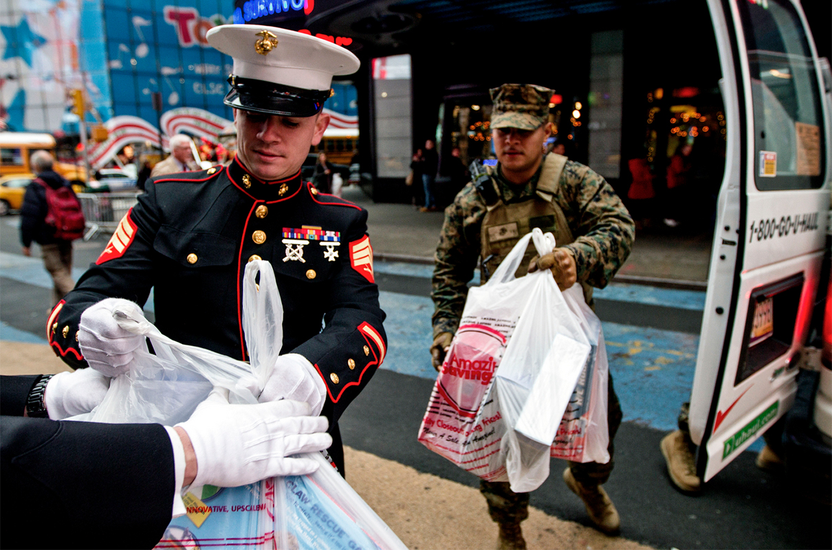 Toys For Tots Marines Stabbed : Moaa features and columns
