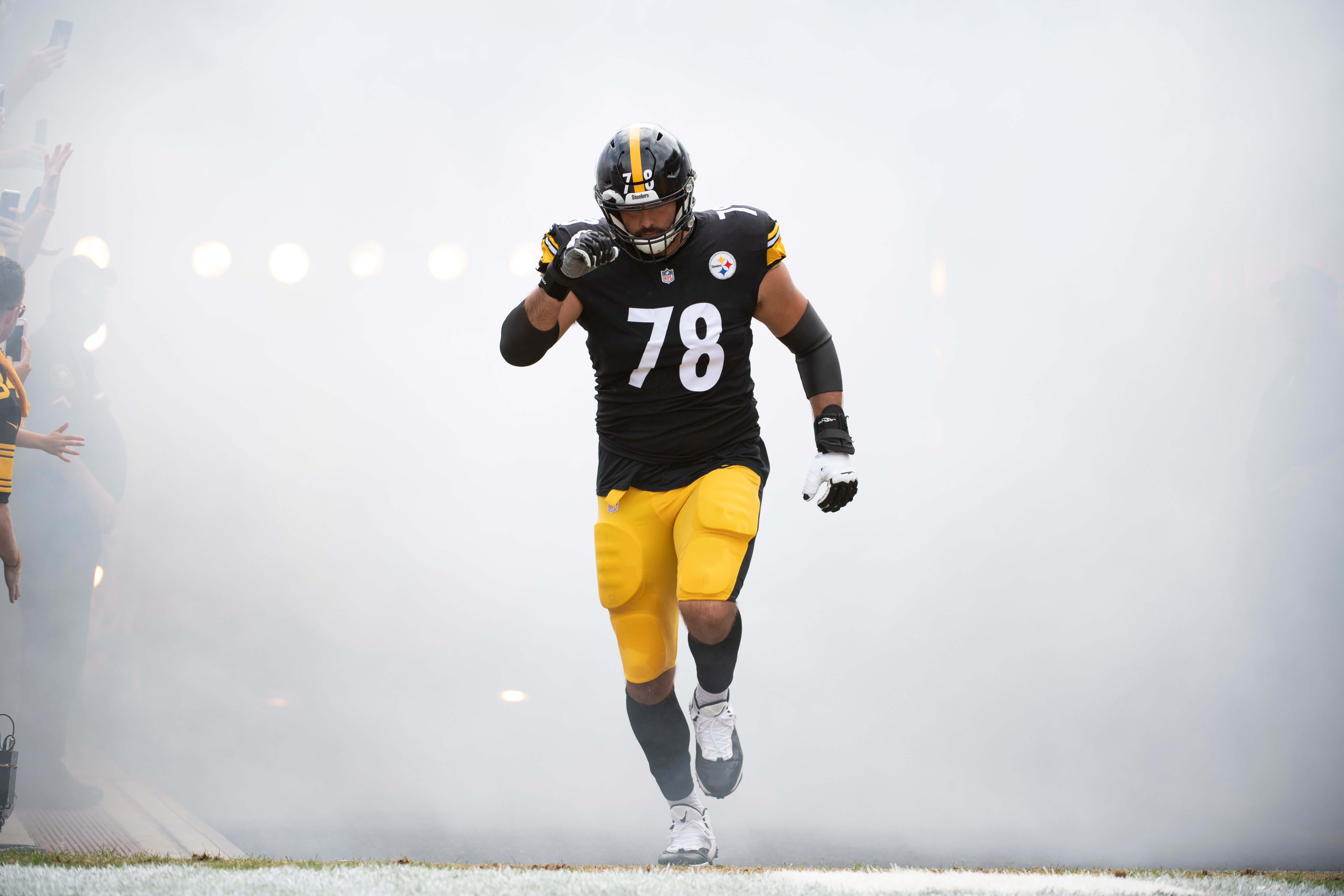 Soldier to Steeler: NFL Star Shares Insight to Military Service