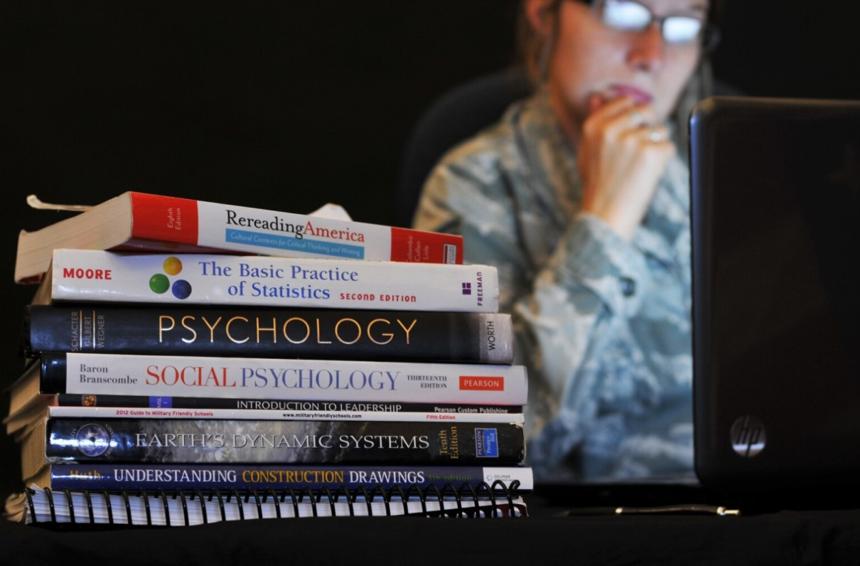 Lawmaker: Close GI Bill 'Loophole' That Benefits For-Profit Colleges
