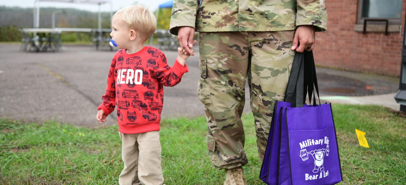 Register for MOAA's National Guard and Reserve Family Forum carousel image